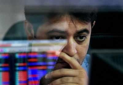 Sensex cracks 26K-level, slumps 300 pts in late morning