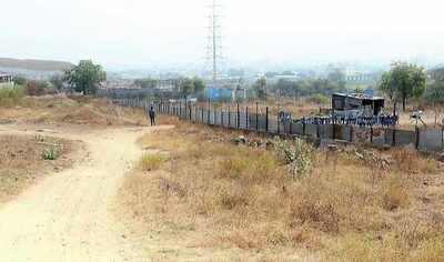 Goons grab land in Hadapsar