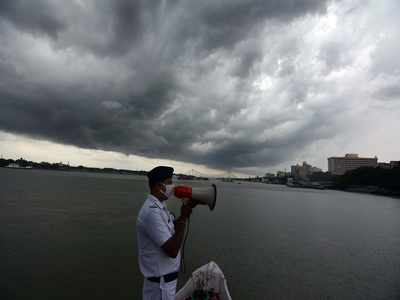 Cyclone Amphan: West Bengal, Odisha districts witness rain