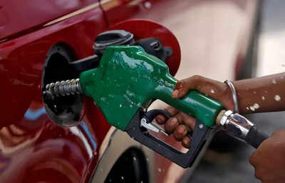No increase in fuel prices on Wednesday, petrol costs Rs 100.72 per litre in Mumbai