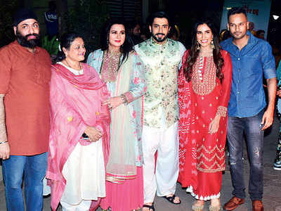 Lohri brings Mummy and her team together