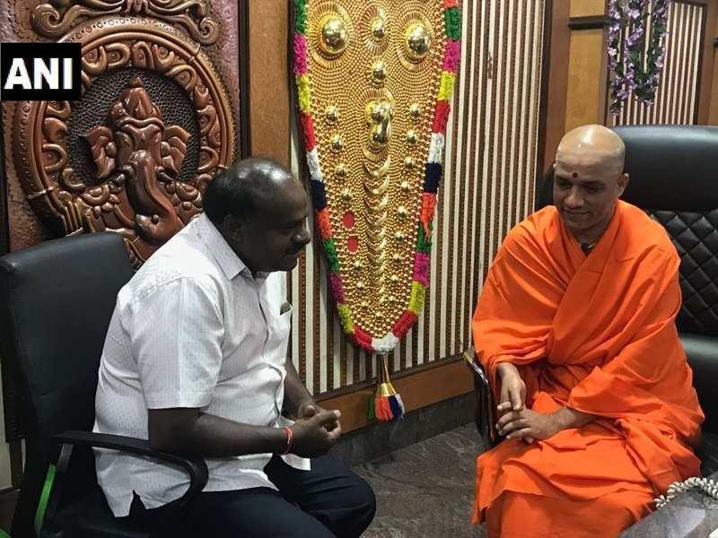 Karnataka Elections 2018: BJP, Congress leaders head to temples and seers