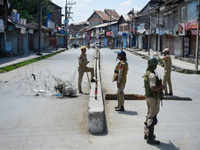 Article 370: Curbs back after street clashes in Valley