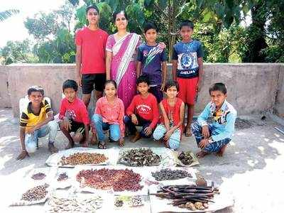 2 kids create seed bank in free time under lockdown for green cover