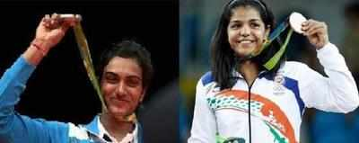 Sindhu, Sakshi get rousing reception in Kerala