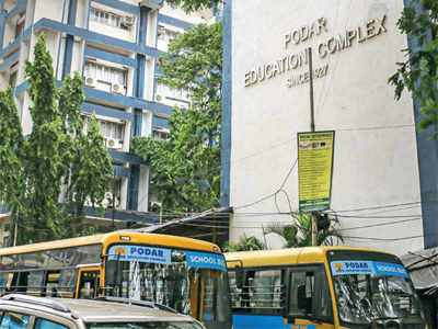 Podar student hit by reversing bus, sustains fracture