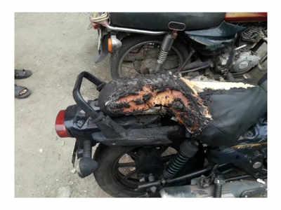Andhra Pradesh cop caught driving drunk, burns down bike in embarrassment