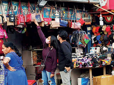 20% hawkers subleased shops: PMC