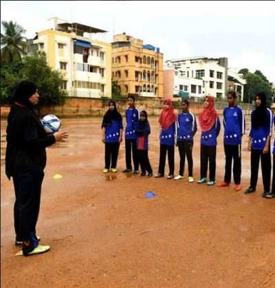 Burqa-clad football coach helps Chennai girls shoot for national goals
