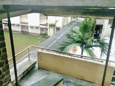 IIT hostel crumbling, students vacated