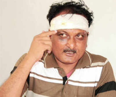 Wife beats up man for asking more rotis