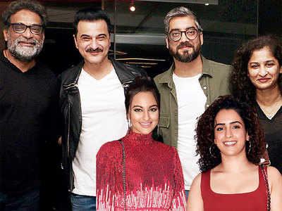 Ayushmann Khurrana, Sanya Malhotra celebrate the success of their film Badhaai Ho! with a party