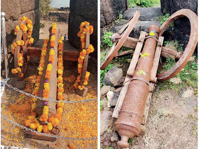 Kolaba fort's cannon carriers wrecked; city org demands action against miscreants