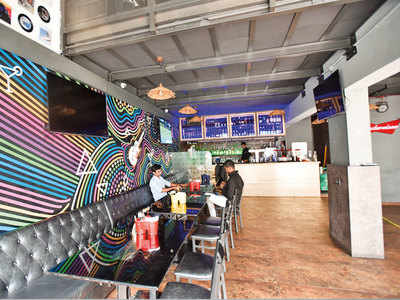 City lounges move HC to serve herbal hookah