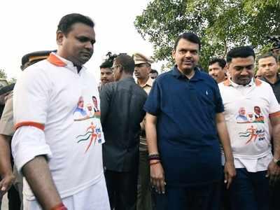 Devendra Fadnavis kick-starts 'Mumbai walks with BJP' from Marine Drive