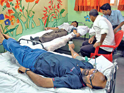 Donations down by 58% since lockdown, blood banks in Gujarat run dry
