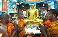 Prayers continue at Mahabodhi Temple, visitors barred for now
