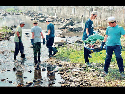Mithi clean-up drive: Kids collect plastic waste for recycling
