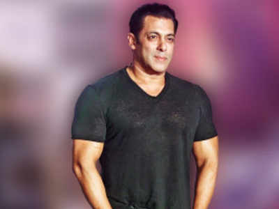 Producer Salman Khan backs Kapil Sharma's comedy show on TV