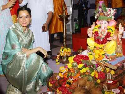 Kangana visits  Andhericha Raja; see pics
