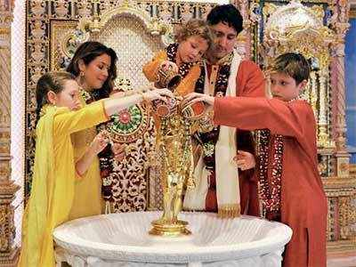 Trudeau and family visit Akshardham