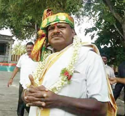 Karnataka government formation: JD(S) leader HD Kumaraswamy on temple run before taking oath