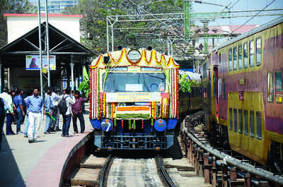 Railways, state sign MoU for suburban rail system