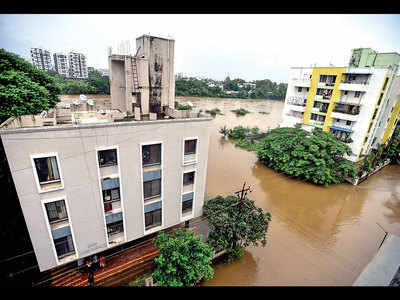 Flooded societies on Sinhagad Rd struggle for drinking water
