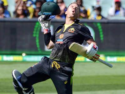 Birthday boy David Warner hits his first T20 century, helps team beat Sri Lanka by 134 runs