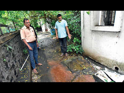 Posh society in KalyaniNagar struggles with drainage issues