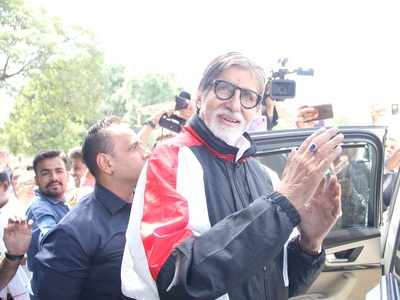 CM Devendra Fadnavis has revealed Amitabh Bachchan's contribution towards Maharashtra Flood Relief