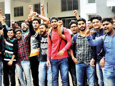 Savitribai Phule Pune University to consider scrapping odd/even engg exam pattern