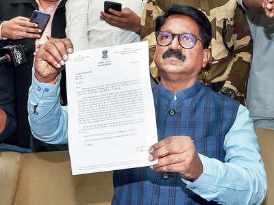 Sena's lone minister resigns from Cabinet