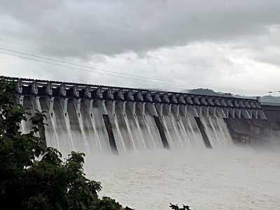 Sardar Sarovar Dam water level 68 cm short of overflow mark