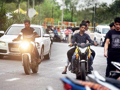 Bandra residents call for end to biker menace