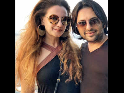 Décor expert Farhan to celebrate tango-themed birthday with Hrithik Roshan, Sussane Khan, Jackie Shroff among others on Saturday