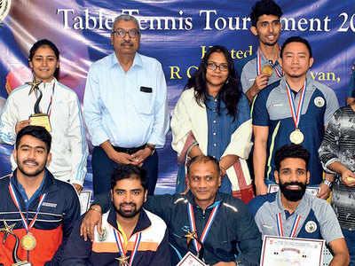 Pooja wins women's singles title
