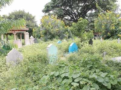 Grave-diggers in Bengaluru donate a month's salary to keep fight against Covid alive