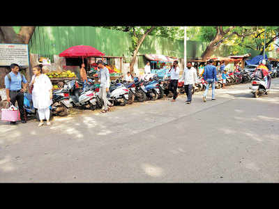 PMC moves hawkers to footpath, irking citizens