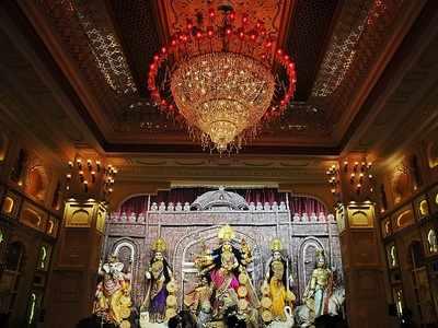 Kolkata pandal recreates Padmaavat's palace for Durga Puja