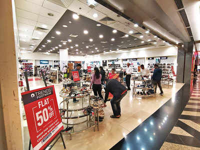 Reliance store charges for paper bag, pulled up