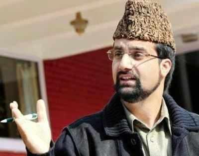 Hurriyat (M) chief Mirwaiz Umar Farooq warns of protests if Jammu & Kashmir's special status is not protected