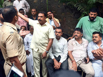Heartbreak, detention before 'deportation': Karnataka Minister DK Shivakumar gets a dose of Mumbai Police's hospitality