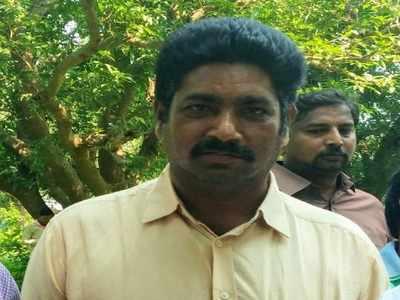 Telangana: Maoists gun down TRS elected leader Srinivasa Rao