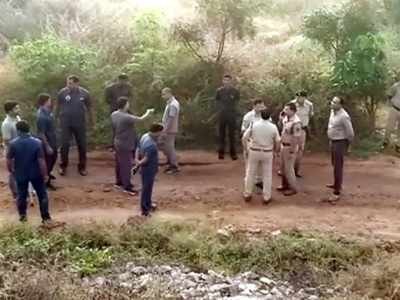 Hyderabad police encounter a reminder of a 1991 Mumbai shootout of two rape accused