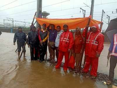 Mumbai Rains: Western Railway engineer stood in flood water for 16 hours to ensure smooth operation of trains