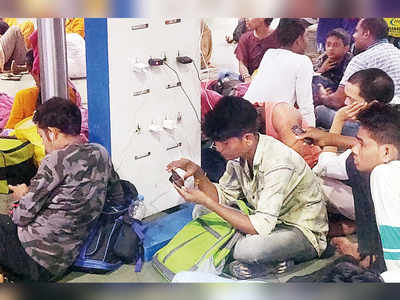 Theft-proof kiosks at CR stations for charging mobile phones, laptops