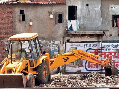 Littering on tracks: CR warns abutting homes