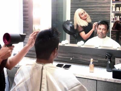 Leander Paes gets a new hair cut