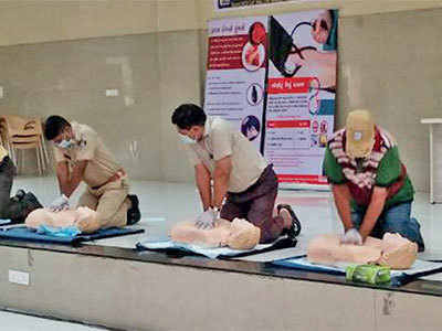 These CPR-certified govt employees can save your life
